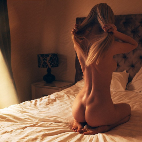 ass back blond nude
