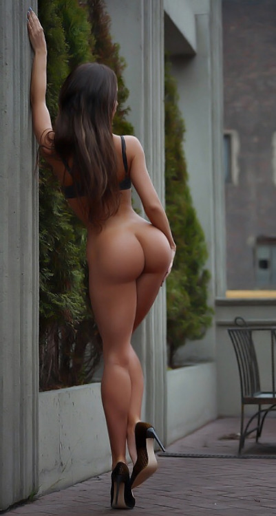 ass back brunette nude