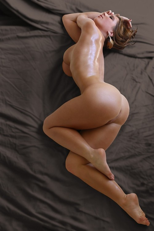 ass brunette nude