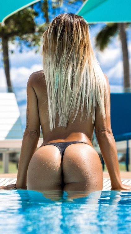 ass back blond